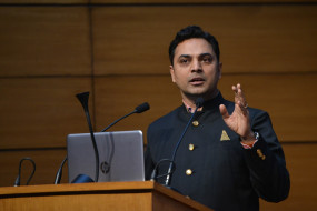 वैश्विक क्रेडिट रेटिंग एजेंसियों ने सरकार के सुधार कार्यक्रमों पर मुहर लगाई