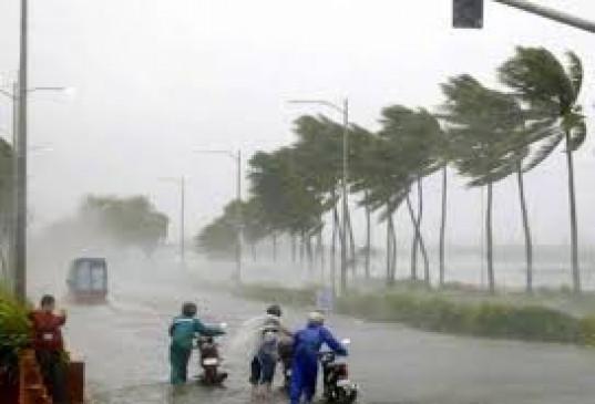 निसर्ग चक्रवात प्रभावित हर परिवार को 10 हजार देगी सरकार