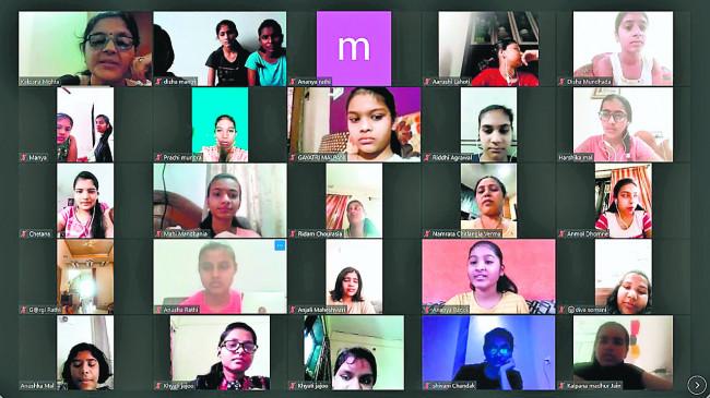 ऑनलाइन 'स्मार्ट गर्ल' वर्कशाप में विभिन्नराज्यों की 80 बेटियों का मार्गदर्शन