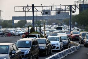 दिल्ली की सीमाएं खुलते ही सड़कों पर भारी ट्रैफिक