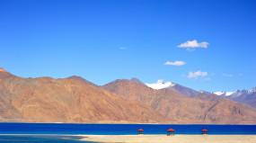भारत ने चीन से पैंगोंग झील से अपने सैनिक व संरचनाएं हटाने को कहा