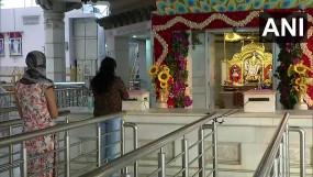 भारत में कोरोना: आज से शुरू हुआ अनलॉक 1 का दूसरा चरण, मंदिर-मॉल-रेस्तरां खुले, इन बातों का रखना होगा ध्यान