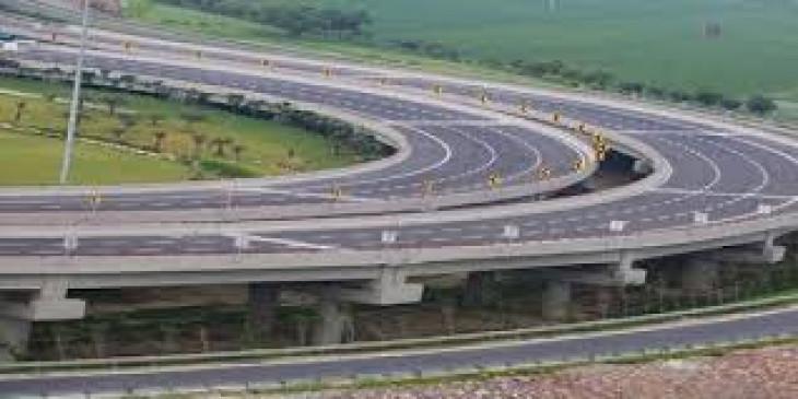 समृद्धि महामार्ग के किनारे खड़े होंगे उद्योगों के टापू: उद्धव ठाकरे