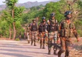 जम्मू-कश्मीर: राजौरी में बीती रात से जारी मुठभेड़ में सुरक्षाबलों ने एक आतंकी के किया ढेर, 3 दहशतगर्दों के छिपे होने की आशंका