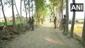 जम्मू-कश्मीर: बडगाम के पठानपोरा में मुठभेड़, सुरक्षाबलों ने एक संदिग्ध को पकड़ा