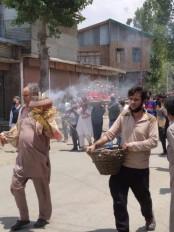 कश्मीर : कश्मीरी पंडित महिला की अंत्येष्टि मुस्लिम पडोसियों ने की
