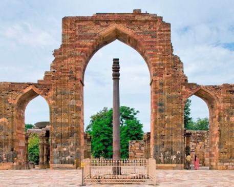 अजब-गजब: इस जगह स्थित है 1600 साल पुराना रहस्यमयी लौह स्तंभ, आजतक इसपर कभी नहीं लगा जंग