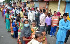 प्रवासियों को मुंबई से उप्र पहुंचाने के लिए वकील जमा करा सकते हैं 25 लाख : सुप्रीम कोर्ट