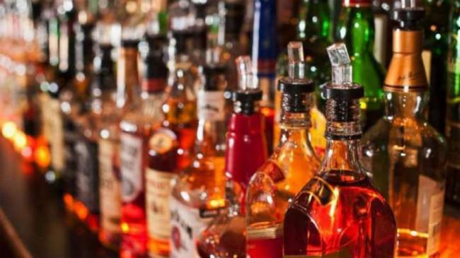 Delhi Liquor Price: दिल्ली में आज से सस्ती होगी शराब, नहीं लगेगा 70% स्पेशल कोरोना टैक्स, आदेश जारी