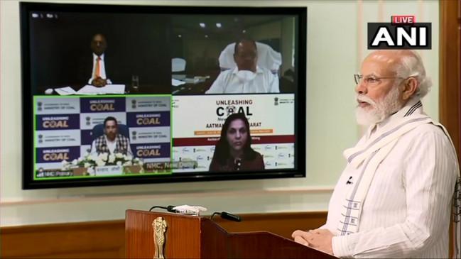 आत्मनिर्भर भारत: PM बोले- कोरोना संकट ने दिया आत्मनिर्भर बनने का सबक, देश आयात को करेगा कम
