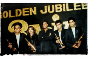 माधुरी ने फिल्म राजा के 25 साल पूरे होने का जश्न मनाया