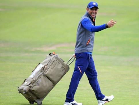 क्रिकेट: महेंद्र सिंह धोनी की टीम इंडिया के ट्रेनिंग कैंप में होगी वापसी? क्या है दिग्गज खिलाड़ियों और एक्सपर्ट्स की राय