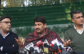 दिल्ली: मनोज तिवारी बोले- कोरोना से लड़ने में केजरीवाल सरकार विफल, इस्तीफा दें सीएम