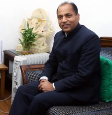 जय राम ठाकुर को बेस्ट परफॉर्मिग मुख्यमंत्री घोषित होने पर मंत्रियों ने दी बधाई