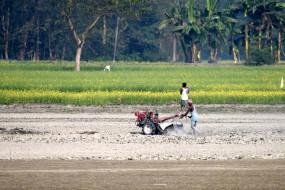 बिहार में मानसून मेहरबान, खेतों में उतरे किसान