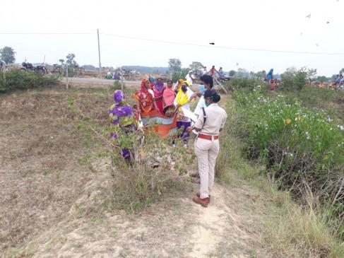 विक्षिप्त युवती की रेप के बाद हत्या - तीन थानो की पुलिस जांच में जुटी