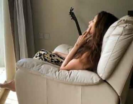 संगीत दर्द पर मरहम लगाता है : माधुरी दीक्षित