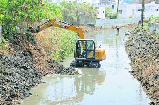 नागपुर : नालों की सफाई पर पिछले साल खर्च किए थे 1.02 करोड़ , इस बार वही 43 लाख में हो गया