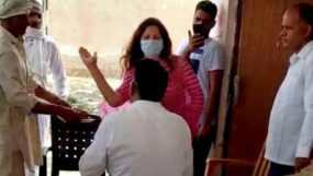 हरियाणा: थप्पड़ कांड में भाजपा नेत्री सोनाली फोगाट के खिलाफ केस दर्ज, सीएम खट्टर ने तलब की रिपोर्ट