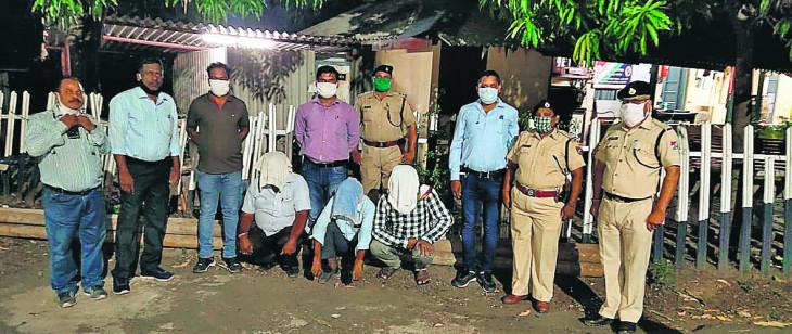 नागपुर: रेलवे का माल कबाड़ी को बेच रहे अपने ही कर्मचारी, लोहा जब्त