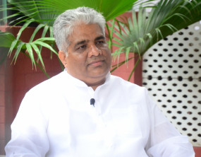 बिहार की जनता संकट में थी तब विपक्ष के नेता ट्वीट कर कर रहे थे मदद नहीं : भूपेंद्र यादव