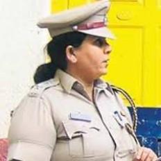 नागपुर भेजी गईं जेल अधिकारी स्वाती साठे