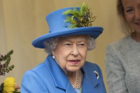 ब्रिटेन: लॉकडाउन के बाद पहली बार नजर आईं महारानी एलिजाबेथ द्वितीय