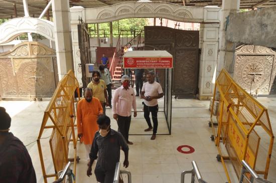 दिल्ली में सोमवार से पाबंदियों के साथ खुलेंगे धार्मिक स्थल
