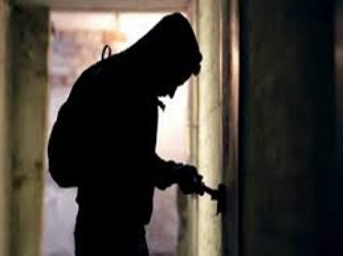 रात में चोरी, दिन में पुलिस से बचने बन जाता था भिखारी