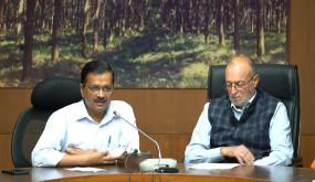 कोरोना संक्रमितों के क्वॉरेंटाइन सेंटर जाने का नियम रद्द हो : दिल्ली सरकार