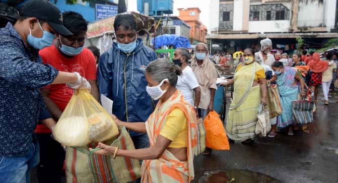 महाराष्ट्र में 5 रुपये की शिव भोजन थाली की बिक्री करोड़ के पार