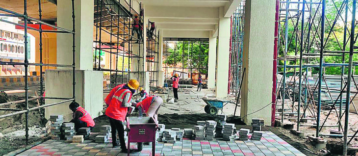 नागपुर महामेट्रो में मजदूरों की कमी, काम की गति 40 फीसदी हुई धीमी
