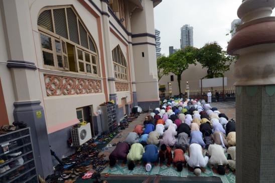 सिंगापुर की मस्जिदों 26 जून से फिर शुरू होगी जुमे की नमाज