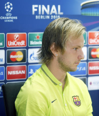 स्पेनिश लीग : राकिटिक के गोल से जीती बार्सिलोना, शीर्ष पर वापस