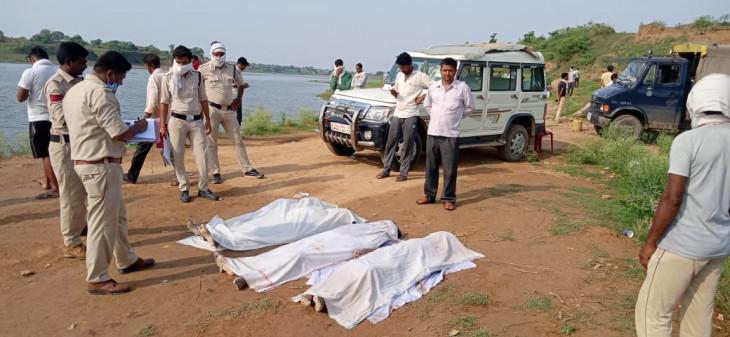 24 घंटे बाद निकाले जा सके केन नदी में डूबे चारों बच्चों के शव- रेत के गड्ढ़ों में फसने से मौत होने की आशंका
