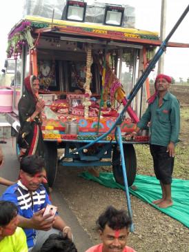 70 सालों से गुरू पूर्णिमा पर खंडवा धाम जा रहे रथ को इस बार अनुमति का इंतजार