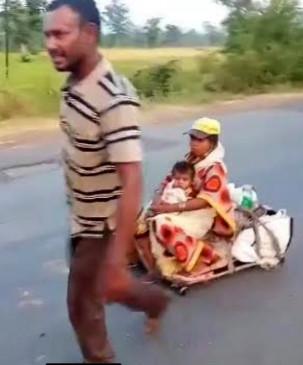 गर्भवती पत्नी और मासूम बेटी को हाथ गाड़ी पर हैदराबाद से लाया था बालाघाट - अभी भी रोटी को मोहताज