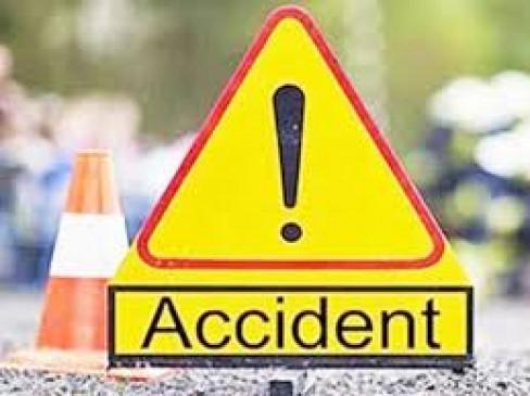 ट्रक ने बाइक चालक को कुचला, घटनास्थल पर ही मौत