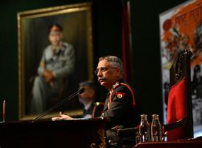 शीर्ष सैन्य अधिकारियों ने उत्तरी, पश्चिमी मोचरें पर संकटपूर्ण हालात पर चर्चा की