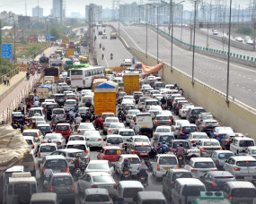 दिल्ली की सीमाओं पर ट्रैफिक जाम
