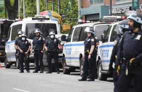 अमेरिका : 2 सहकर्मियों के निलंबन पर इमरजेंसी कॉप्स टीम ने काम छोड़ा