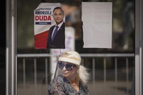 पोलैंड में राष्ट्रपति चुनाव के लिए मतदान जारी