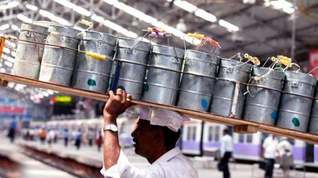बगैर लोकल ट्रेन शुरु नहीं हो पाएगी मुंबई के डिब्बेवालों की सेवा