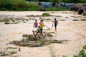 नेपाल में बाढ़ से 2 की मौत, 18 लापता