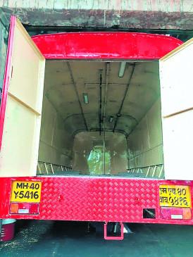 राज्य में अगले साल तक 3 हजार एसटी बसों को ट्रक बनाया जाएगा