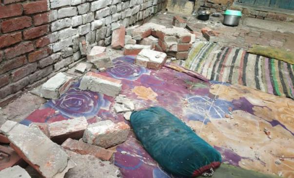 उप्र: शाहजहांपुर में दीवार गिरने से 5 लोगों की मौत, CM ने किया 4 लाख रुपये की मदद का ऐलान
