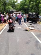 ट्रक-ऑटो की टक्कर में 6 की मौत, पांच घायल