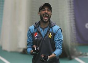 कोविड टेस्ट निगेटिव आने के बाद इंग्लैंड में पाकिस्तान टीम से जुड़े आमिर