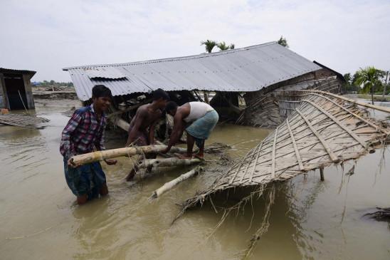 असम बाढ़ की स्थिति गंभीर, अबतक 59 मौतें, 33 लाख प्रभावित