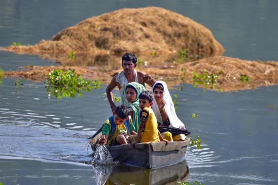 असम बाढ़: 21 जिलों के 15 लाख लोग प्रभावित, अब तक 33 की मौत, पीएम मोदी ने किया मुआवजे का ऐलान